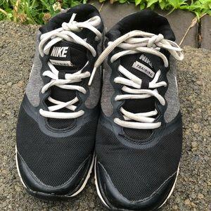 Nike Classic Athletics Size 7